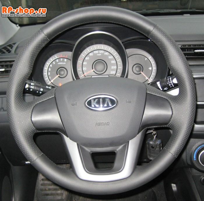 Оплетка на руль включая спицы Kia Rio III можно выбрать цвет нити - фото 5572