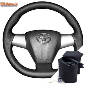 Оплетка на руль включая спицы для Toyota Rav 4 2010-2014 можно выбрать цвет нити